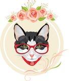 Διακοσμητικό πλαίσιο με τα ρόδινα τριαντάφυλλα και το πορτρέτο μιας αστείας γάτας με τα κόκκινα γυαλιά Στοκ φωτογραφία με δικαίωμα ελεύθερης χρήσης