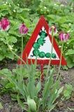 Διακοσμητικό σημάδι στον κήπο. Στοκ Φωτογραφίες