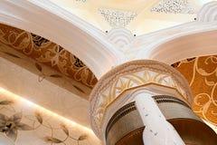 Διακοσμητικό στοιχείο στο Sheikh μεγάλο μουσουλμανικό τέμενος Zayed Στοκ εικόνες με δικαίωμα ελεύθερης χρήσης