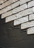 Διακοσμητικό τούβλο τοίχων Unfinishing του προσώπου Στοκ εικόνα με δικαίωμα ελεύθερης χρήσης