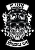 Διακριτικό λεσχών μοτοσικλετών με το κρανίο που φορά το κράνος ελεύθερη απεικόνιση δικαιώματος