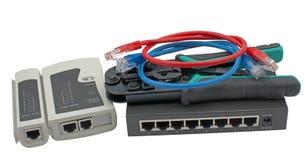 Διακόπτης δικτύων, ethernet καλώδιο και ελεγκτής καλωδίων στοκ εικόνες