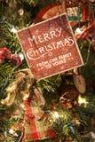 Διακόσμηση δέντρων Χαρούμενα Χριστούγεννας Στοκ εικόνες με δικαίωμα ελεύθερης χρήσης