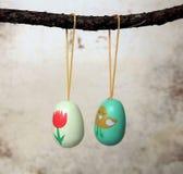 Διακόσμηση αυγών Πάσχας για τους κλάδους Πάσχας Στοκ φωτογραφία με δικαίωμα ελεύθερης χρήσης