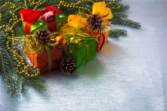 Διακόσμηση κιβωτίων δώρων Χριστουγέννων Στοκ φωτογραφίες με δικαίωμα ελεύθερης χρήσης