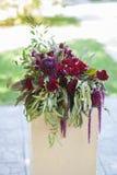 Διακόσμηση λουλουδιών για τη γαμήλια τελετή Στοκ Εικόνα