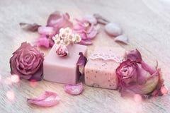 Διακόσμηση με το φυσικό σαπούνι στοκ φωτογραφία με δικαίωμα ελεύθερης χρήσης
