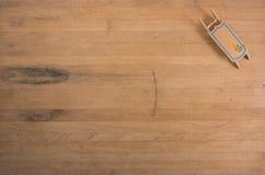 Διακόσμηση στην ξύλινη ανασκόπηση Στοκ Εικόνες