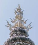 Διακόσμηση στη τοπ στέγη εκκλησιών Wat Rong Khun Στοκ Εικόνες