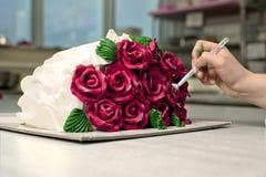 Διακόσμηση του κέικ Στοκ φωτογραφία με δικαίωμα ελεύθερης χρήσης