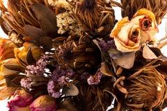 Διακόσμηση των ξηρών λουλουδιών - τριαντάφυλλα Στοκ Εικόνες