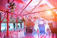 Διακόσμηση των λουλουδιών στη δεξίωση γάμου, floral διακόσμηση Στοκ Φωτογραφία