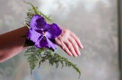 Διακόσμηση χεριών παράνυμφων Στοκ φωτογραφία με δικαίωμα ελεύθερης χρήσης