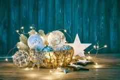 Διακόσμηση Χριστουγέννων για firtree τη γιρλάντα σφαιρών γυαλιού Στοκ Εικόνα