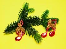 Διακόσμηση Χριστουγέννων, ερυθρελάτες με τις σημειώσεις Στοκ φωτογραφία με δικαίωμα ελεύθερης χρήσης