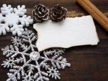 Διακόσμηση Χριστουγέννων με την ταπετσαρία της Λευκής Βίβλου Στοκ φωτογραφία με δικαίωμα ελεύθερης χρήσης