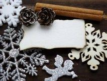 Διακόσμηση Χριστουγέννων με την ταπετσαρία της Λευκής Βίβλου Στοκ Φωτογραφίες