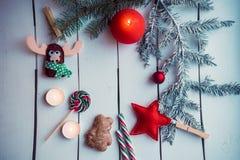 Διακόσμηση Χριστουγέννων με το κάψιμο του κεριού Στοκ εικόνες με δικαίωμα ελεύθερης χρήσης