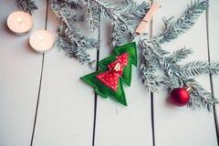 Διακόσμηση Χριστουγέννων με το κάψιμο των κεριών Στοκ Φωτογραφίες