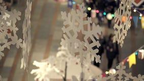 Διακόσμηση Χριστουγέννων στη λεωφόρο απόθεμα βίντεο