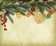 Διακόσμηση Χριστουγέννων στο εκλεκτής ποιότητας υπόβαθρο Στοκ Εικόνα