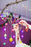Διακόσμηση Χριστουγέννων στο παράθυρο Στοκ Εικόνες