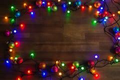 Διακόσμηση Χριστουγέννων φω'των νεράιδων με τα μπιχλιμπίδια Στοκ Εικόνες