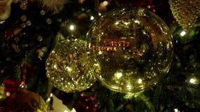 Διακόσμηση χριστουγεννιάτικων δέντρων φιλμ μικρού μήκους