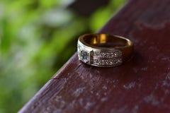 Διαμάντι δαχτυλιδιών το καλύτερο στοκ εικόνα με δικαίωμα ελεύθερης χρήσης
