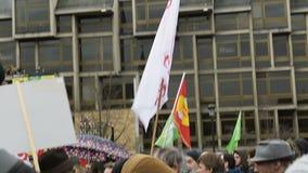 Διαμαρτυρία ενάντια στην επέκταση της «κατάστασης της έκτακτης ανάγκης» απόθεμα βίντεο