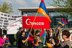 Διαμαρτυρία κοντά στην κατοικία του καγκελαρίου Στοκ εικόνα με δικαίωμα ελεύθερης χρήσης