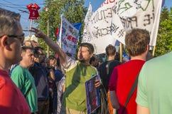 Διαμαρτυρία στο Βουκουρέστι ενάντια στην παράνομη αναγραφή στοκ φωτογραφίες
