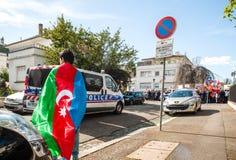 Διαμαρτυρία σύγκρουσης του Αζερμπαϊτζάν Αρμενία μπροστά από την πρεσβεία Στοκ Εικόνα