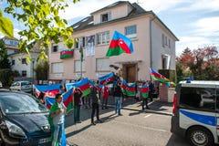 Διαμαρτυρία σύγκρουσης του Αζερμπαϊτζάν Αρμενία μπροστά από την πρεσβεία Στοκ φωτογραφίες με δικαίωμα ελεύθερης χρήσης