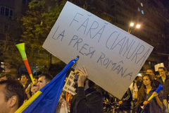 Διαμαρτυρίες ενάντια στη χρυσή εξαγωγή κυανιδίου σε Rosia Μοντάνα στοκ εικόνες