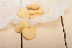 Διαμορφωμένα καρδιά μπισκότα βαλεντίνων κουλουρακιών στοκ φωτογραφίες με δικαίωμα ελεύθερης χρήσης
