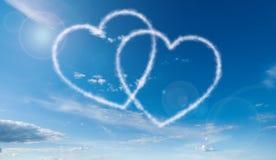 Διαμορφωμένα καρδιά σύννεφα Στοκ Εικόνες