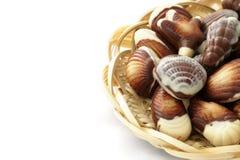 Διαμορφωμένα κοχύλια θάλασσας σοκολάτας καραμέλα Στοκ φωτογραφίες με δικαίωμα ελεύθερης χρήσης