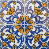 Διαμορφωμένα χρωματισμένα κεραμίδια στο σύμβολο σπιτιών της Λισσαβώνας Ευρωπαϊκό αυθεντικό ύφος Στοκ Εικόνες