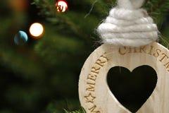 Διαμορφωμένη καρδιά ξύλινη διακόσμηση στοιχείων Χριστουγέννων Στοκ φωτογραφίες με δικαίωμα ελεύθερης χρήσης