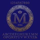 Διαμορφωμένοι χρυσοί επιστολές και αριθμοί με το αρχικό μονόγραμμα Στοκ εικόνα με δικαίωμα ελεύθερης χρήσης