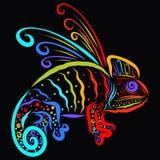 Διαμορφωμένος ουράνιο τόξο χαμαιλέοντας, δημιουργικός δράκος στο μαύρο υπόβαθρο ελεύθερη απεικόνιση δικαιώματος