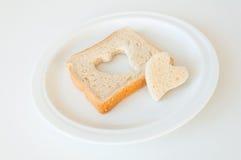 Διαμορφωμένο καρδιά ψωμί Στοκ Φωτογραφία