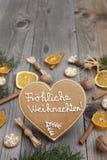 Διαμορφωμένο καρδιά μελόψωμο Χριστουγέννων Στοκ εικόνες με δικαίωμα ελεύθερης χρήσης