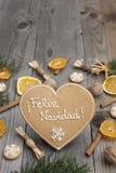 Διαμορφωμένο καρδιά μελόψωμο Χριστουγέννων Στοκ φωτογραφία με δικαίωμα ελεύθερης χρήσης