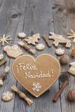 Διαμορφωμένο καρδιά μελόψωμο Χριστουγέννων Στοκ Εικόνα