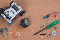 Διανοητική εξάρτηση συνελεύσεων παιχνιδιών ρομπότ ανάπτυξης DIY στοκ φωτογραφία με δικαίωμα ελεύθερης χρήσης