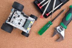 Διανοητική εξάρτηση συνελεύσεων παιχνιδιών ρομπότ ανάπτυξης DIY στοκ φωτογραφία