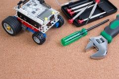 Διανοητική εξάρτηση συνελεύσεων παιχνιδιών ρομπότ ανάπτυξης DIY στοκ εικόνες