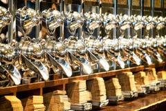 Διανομέας φασολιών καφέ Στοκ Φωτογραφίες